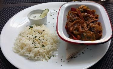 Arroz con hortalizas al curry (13,50 euros)