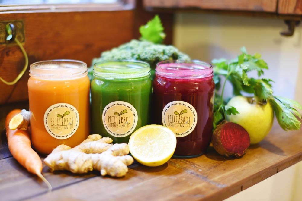 FOTO2.PetitBrot-Zumos de verduras y frutas prensados en frío