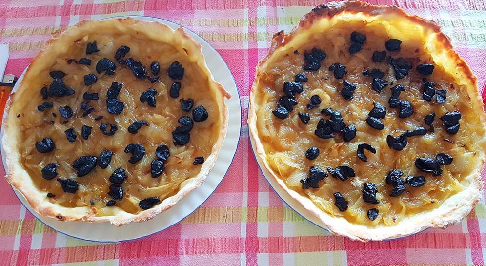 Pissaladière (sólo cebolla y aceitunas)