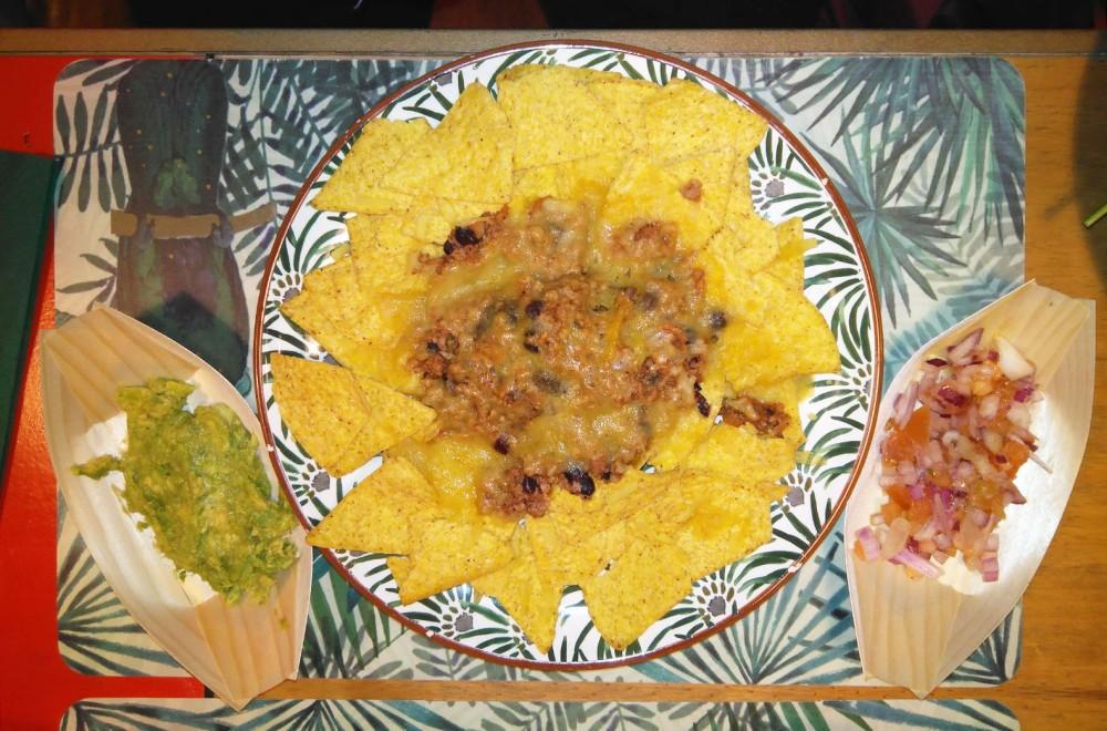 Nachos con 'chili sin carne'.jpg